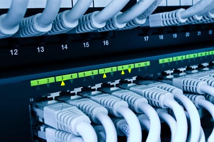 1.17 Как объединить три и более компьютера в сеть или зачем нужны коммутаторы